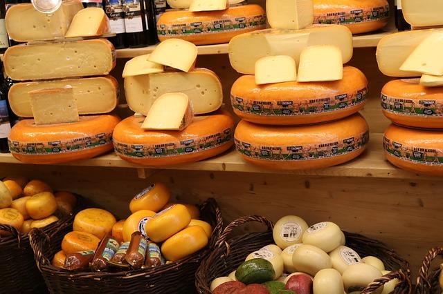 De Kaasmarkt in Alkmaar: bezienswaardigheden Noord-Holland