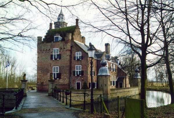 Bezienswaardigheden: Slot Moermond Renesse in Zeeland