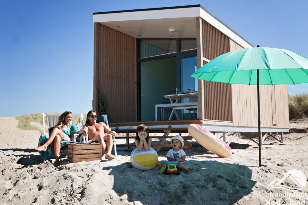 Strandhuisje boeken: overnachten op het strand