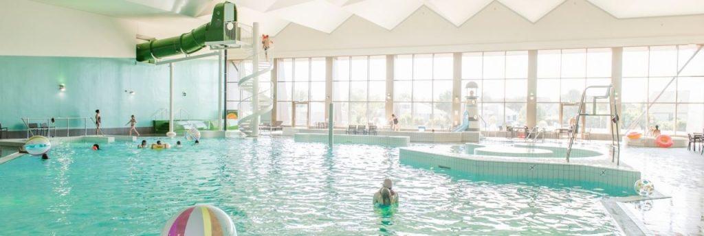 Strandhuisjes met zwembad: vakantieparken met zwembad