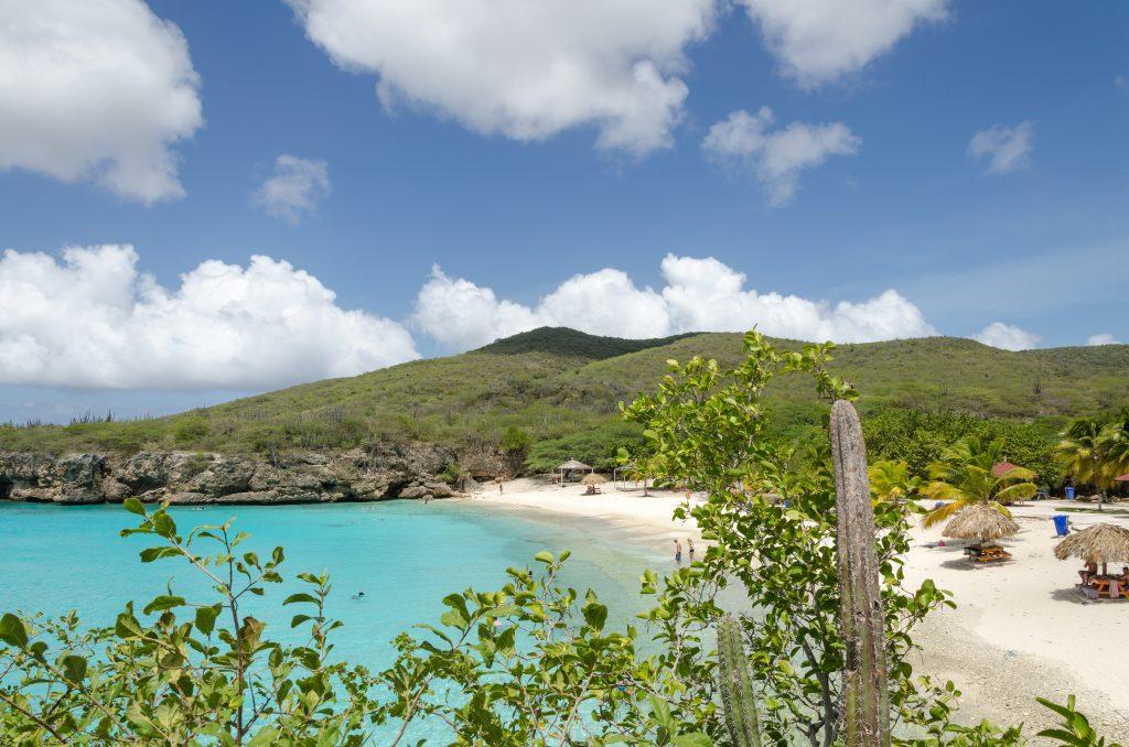 Curacao Berg en Strand